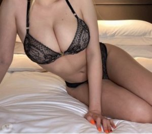 Naciera escorts in South Plainfield
